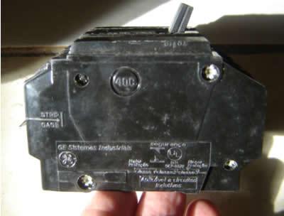 Disjuntores elétricos como identificar