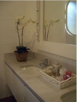espelhos no banheiro