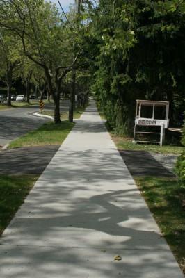 Como fazer uma calçada de cimento?