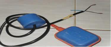 Problemas com a boia elétrica - Separe os fios de cores marrom e preta