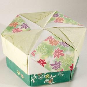 Como fazer caixinhas de papelão e customizar os presentes!
