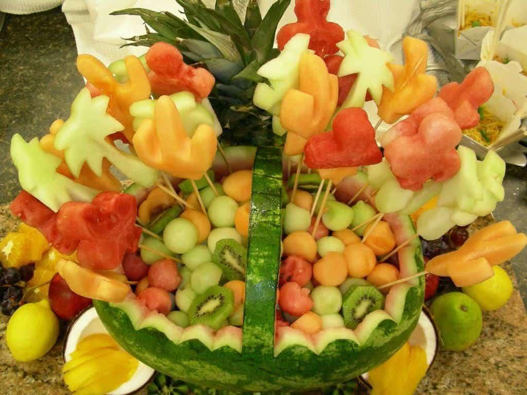 Enfeite De Frutas ~ Decoraç u00e3o da mesa, como cortar as frutas! FazFácil