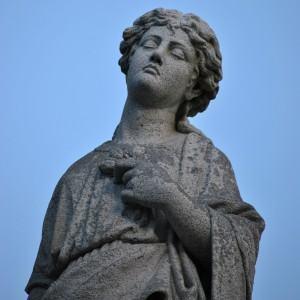 Trabalho do Escultor em pedra