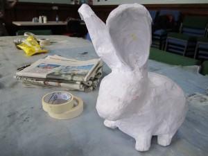 coelho papel machê