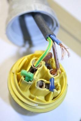 Como instalar fios eletricos?