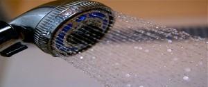 Como instalar a ducha higiênica e o registro de chuveiro?