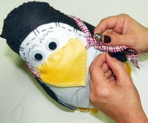 Pinguim de Feltro - acabamento