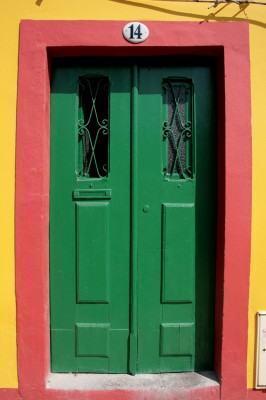 Esquadrias de madeira para portas. Como fazer a instalação!
