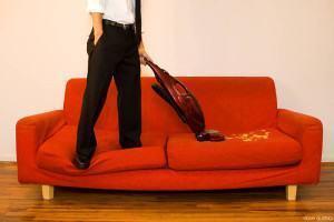 Como cuidar do sofá: limpeza e manutenção