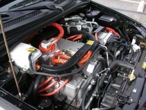 Óleo sintético lubrificante automotivo, é melhor?