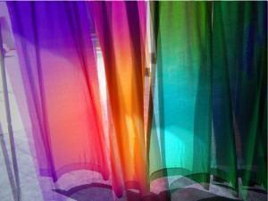CORTINAS : Pendurando e decorando com cortinas!
