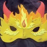 Como fazer uma linda Máscara de Carnaval / Halloween em EVA