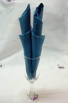 Como dobrar guardanapos para copos longos
