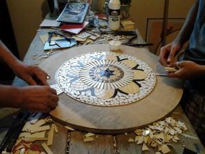 Mandala em mosaico - colagem dos mosaicos