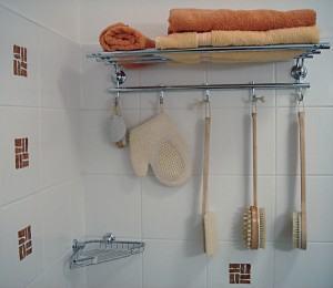 estantes banheiro