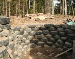 Muros de arrimo feito com pneus