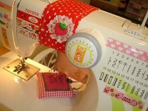 Aprendendo a costurar numa maquina de costura eletrica!