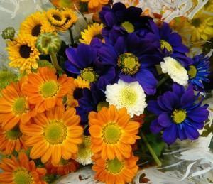 Arranjos de flores em vasos, veja como fazer, decore a casa