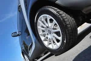 carro pneu