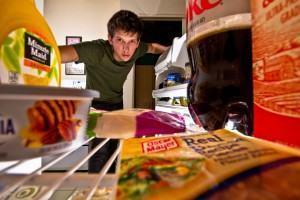 Dietas que não funcionam - assalto a geladeira