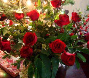 Arranjo de Rosas Vermelhas para o Natal