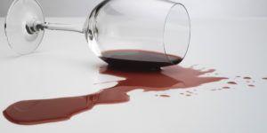 Como Tirar Manchas de Vinhos Tinto e Branco da Roupa
