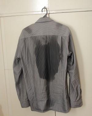 Como tirar manchas brancas de desodorante das roupas …