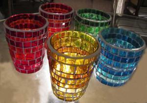 Porta-vela de mosaico de vidro, romântico e charmoso!