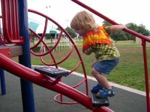 evitar acidentes em playgrounds