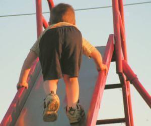 evitar acidentes em playground ou parquinho