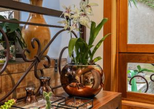 Bronze e Latão: Como Cuidar de Peças de Metal