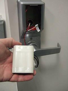 fechadura eletronica com pilha
