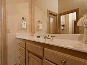colocação móveis planejados em banheiro ou cozinha