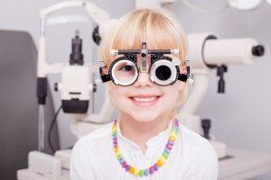 oftalmologista criança