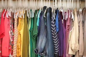 Como Organizar um Bazar de Roupas