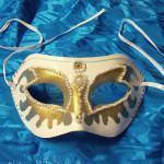 Faça uma Máscara de Carnaval com Pérolas