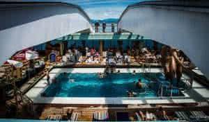 piscina navio