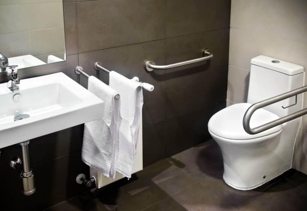 Armario Suspenso Escritorio ~ Como Montar um Banheiro para Idosos FazFácil