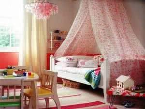 quarto menina chandelier e dossel