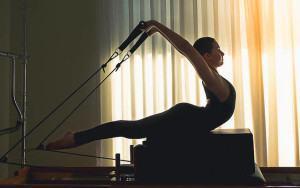 Beneficios de fijación a medio de Pilates Practice
