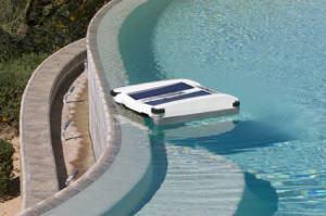 robô piscina