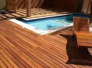deck madeira natural piscina