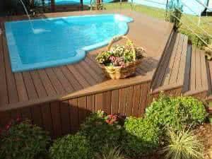 deck piscina madeira plastica