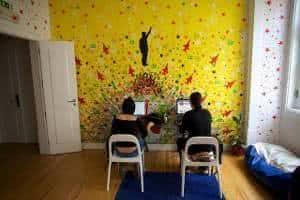 hostel internet