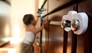 criança trava armario