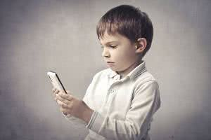 celular e crianças