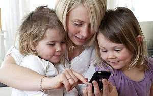 mae crianças celular