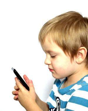 criança celular