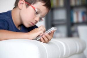 Smartphones: Aparelhos e Aplicativos Infantis
