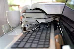 computador oculos educação